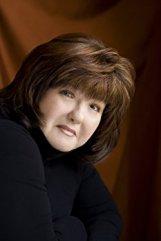 Karen Rose Author Picture