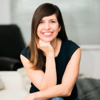 Laurie Petrou Author Picture